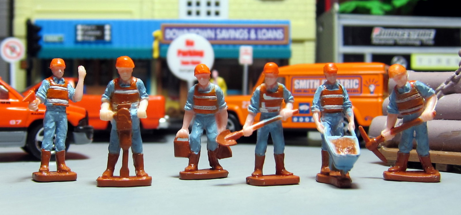 Diorama Fun!: Tonka Construction Workers