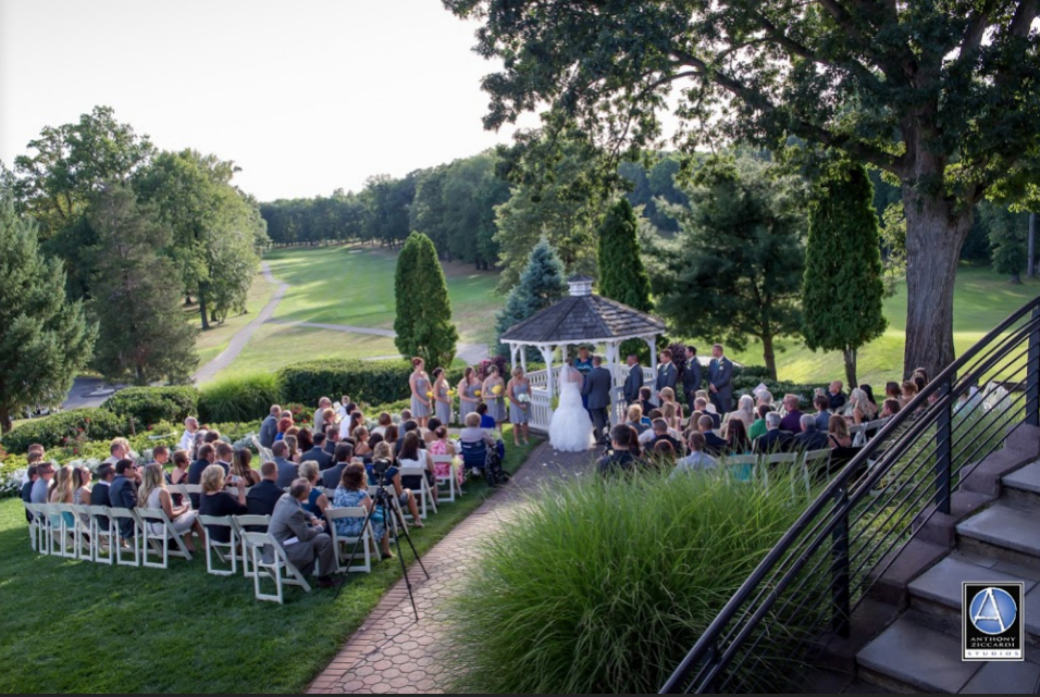 The Knolls Country Club Wedding Venues