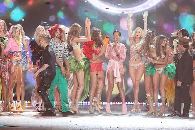 The 2012 Victoria's Secret Fashion Show - Behind The Scenes Model Interviews With Your Favorite Victoria's Secret Models