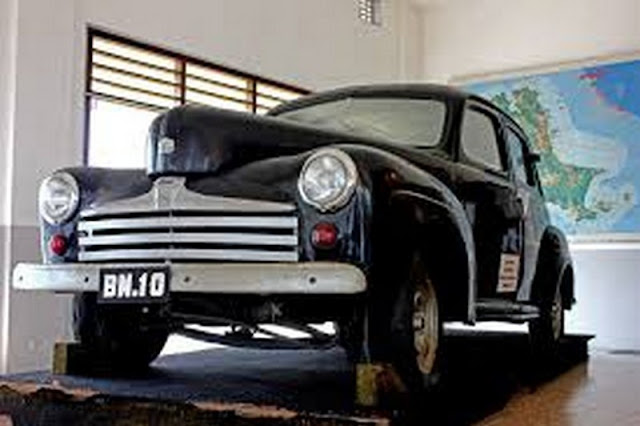Mobil Ford Bung Karno