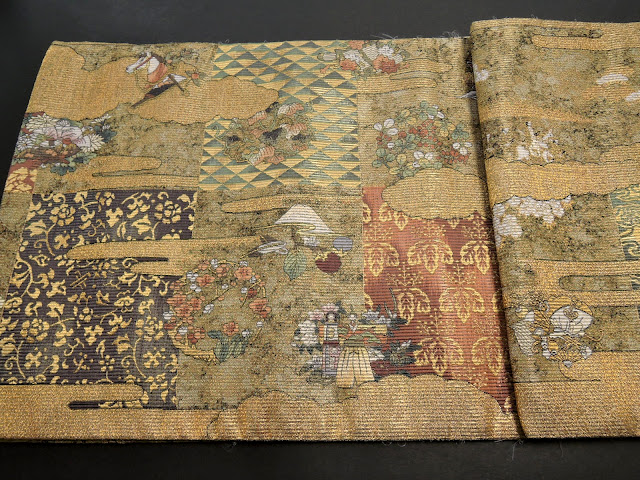 五七の桐紋と梅の花柄