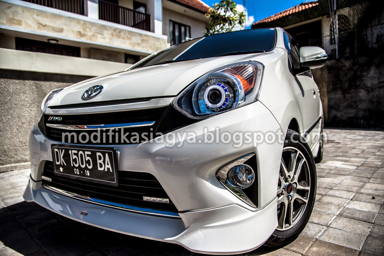 Modifikasi Toyota Agya Modifikasi Lampu Depan Dan LED Daytime