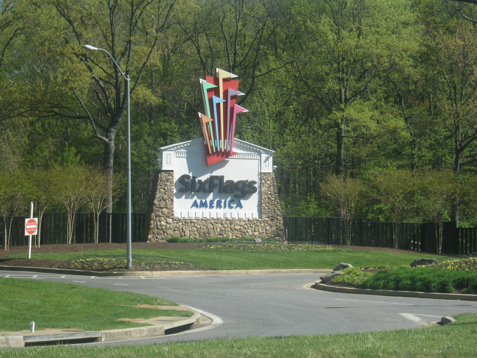 my trip to six flags Use the information on this page to help you plan your trip using a newsletter and we'll let you know immediately if you've won two tickets to six flags.