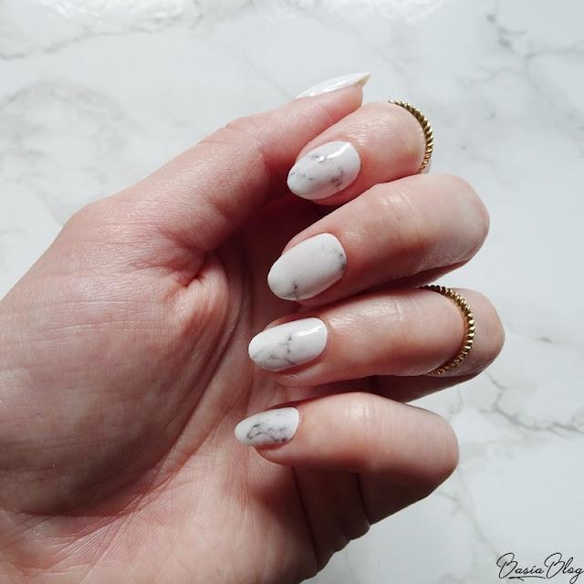 Ponad 100 pomysłów na marmurowe paznokcie!