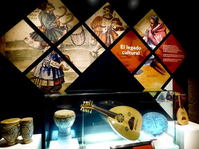 Panel informativo del centro de interpretación de la cultura morisca en Hornachos