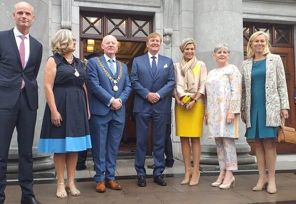 Queen Maxima's outfit is by Belgian fashion house Natan. mayor Cllr Christopher O'Sullivan. Natan pumps.