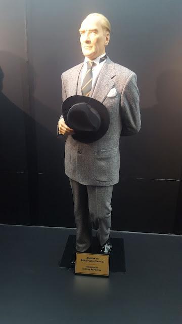 Atatürk ve Kıyafet Devrimi/İnkılabı
