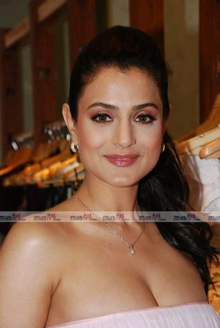 bra pics of bollywood actress