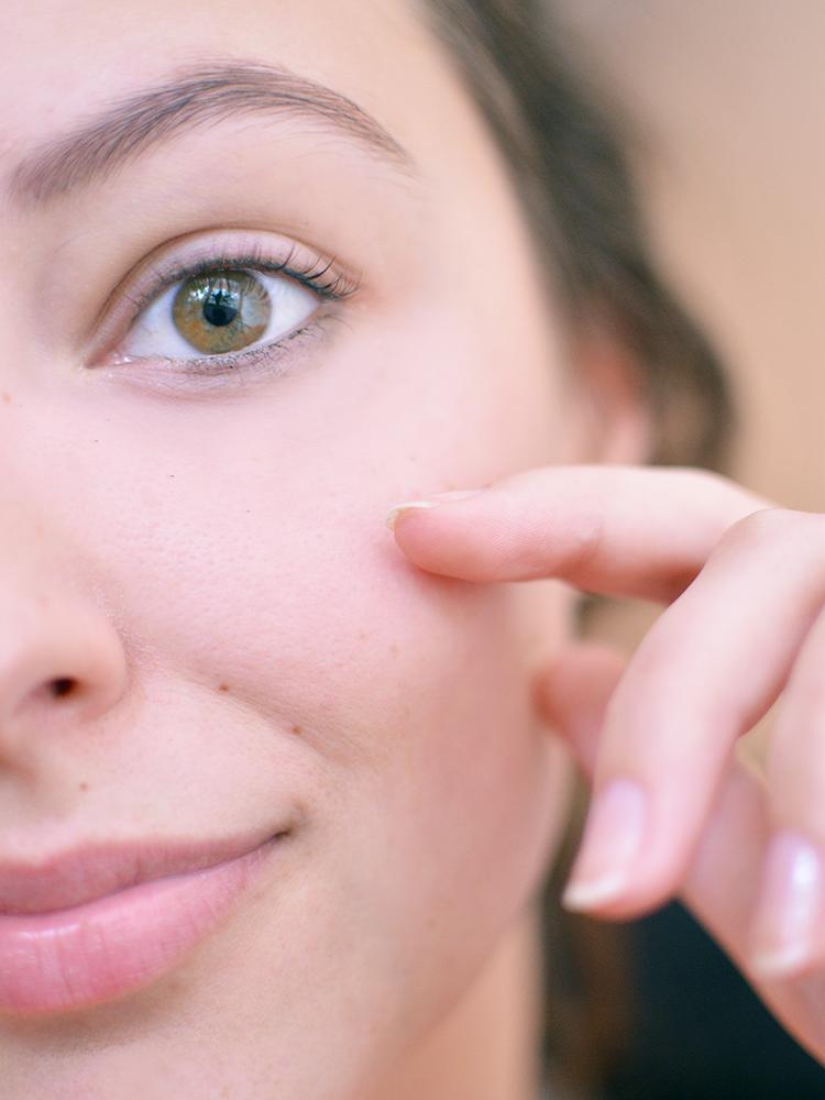 Kiedy zacząć stosować krem przeciwzmarszczkowy? Moje podejście do pielęgnacji anti-age - Czytaj więcej »