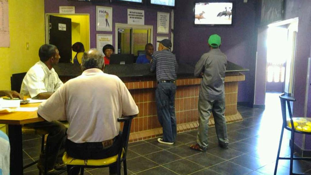 Hollywoodbets Daxina - Lenasia - Gauteng - Retail Branch - Betting Shop - TAB - Tote