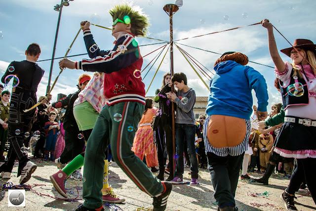 Γιάννενα: Το παραδοσιακό γαϊτανάκι στην Κεντρική Πλατεία των Ιωαννίνων
