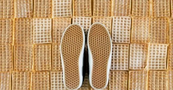 Kode Waffle Menjadi Tolak Ukur Konsumen Terhadap Sepatu Vans Original  868d0d7ab8