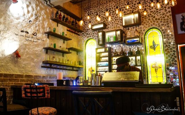 American Bar Saloon Ambiance