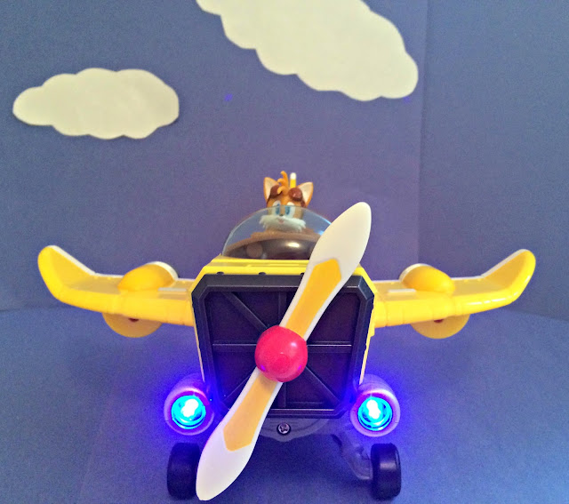 A GEEK DADDY: Sonic Boom Tail's Plane
