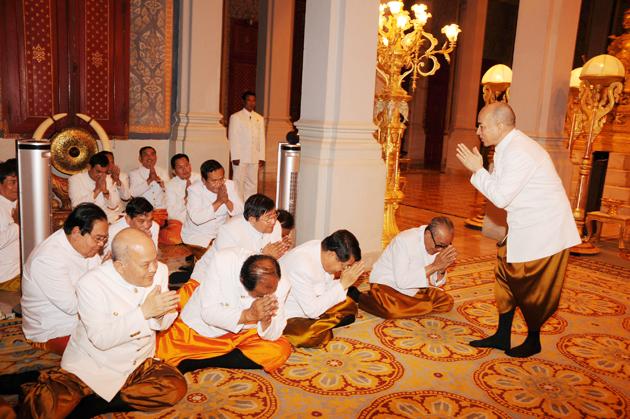 Sa Majesté Norodom Sihamoni célèbre Ok Ambok