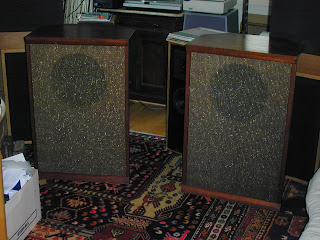 Corner Speaker Pair with ElectroVoice SP12B Drivers
