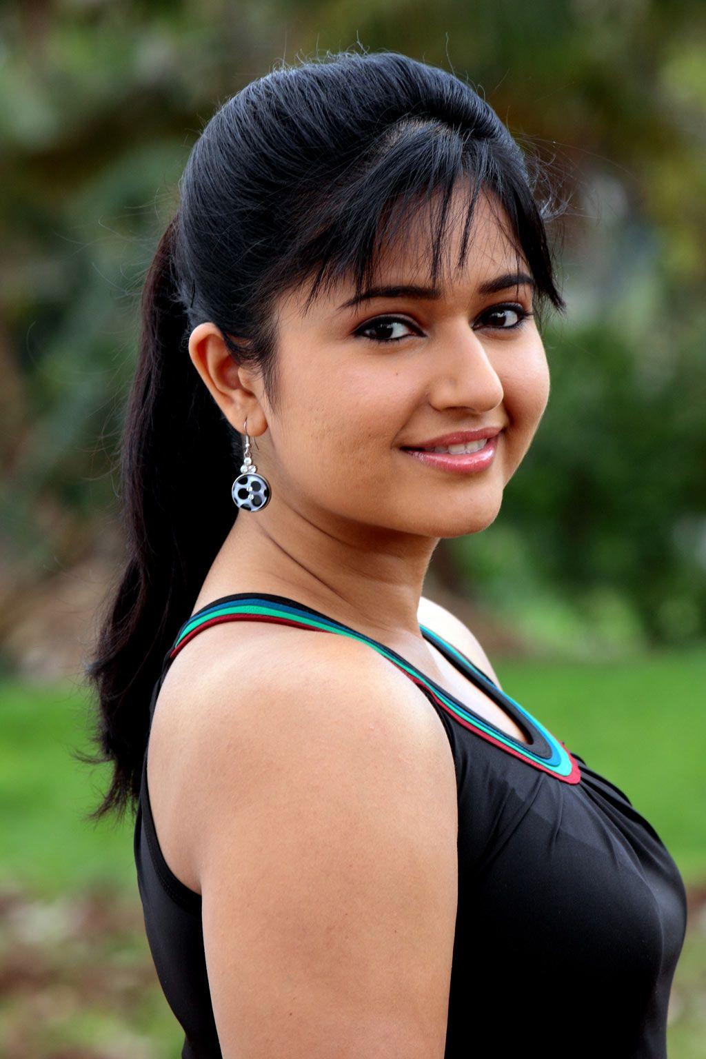 Poonam Bajwa Face Closeup Pics In Black Dress