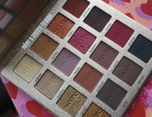 Paleta de sombras de la marca Imagic de Aliexpress