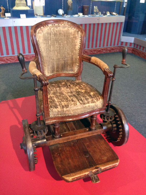 Rodama a blog of 18th century revolutionary french for Fauteuil rocking chair design