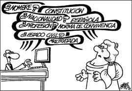 Política. Sobre la reforma de la Constitución. Tres opiniones d