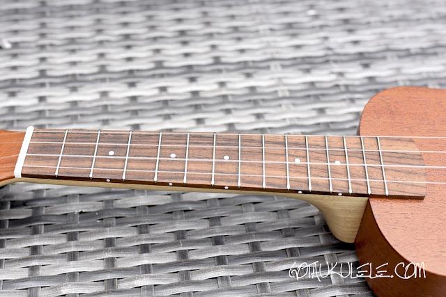 KM Ukuleles Dreadnought Concert fingerboard