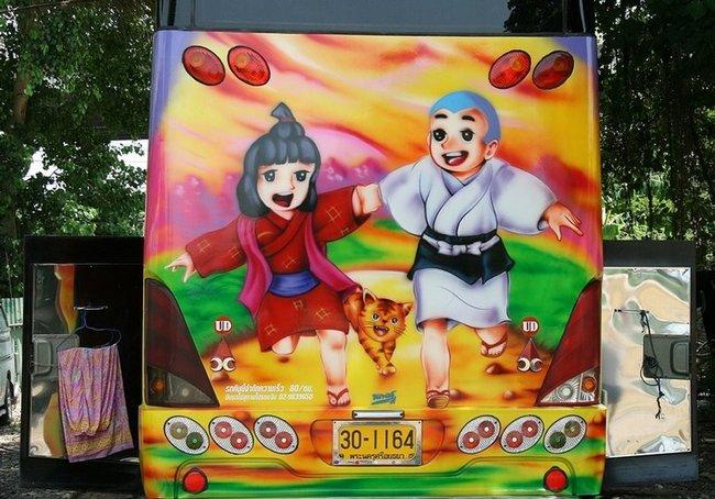 японский аниме на автобусе
