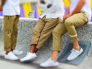 perbedaan-celana-chino-khaki.jpg