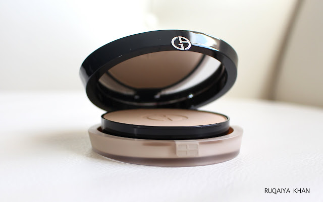 Giorgio Armani Luminous Silk Powder Foundation in shade 4