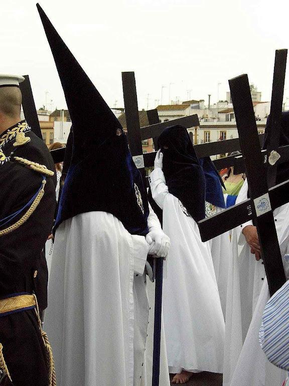 Procissão penitencial em Sevilha na Semana Santa.