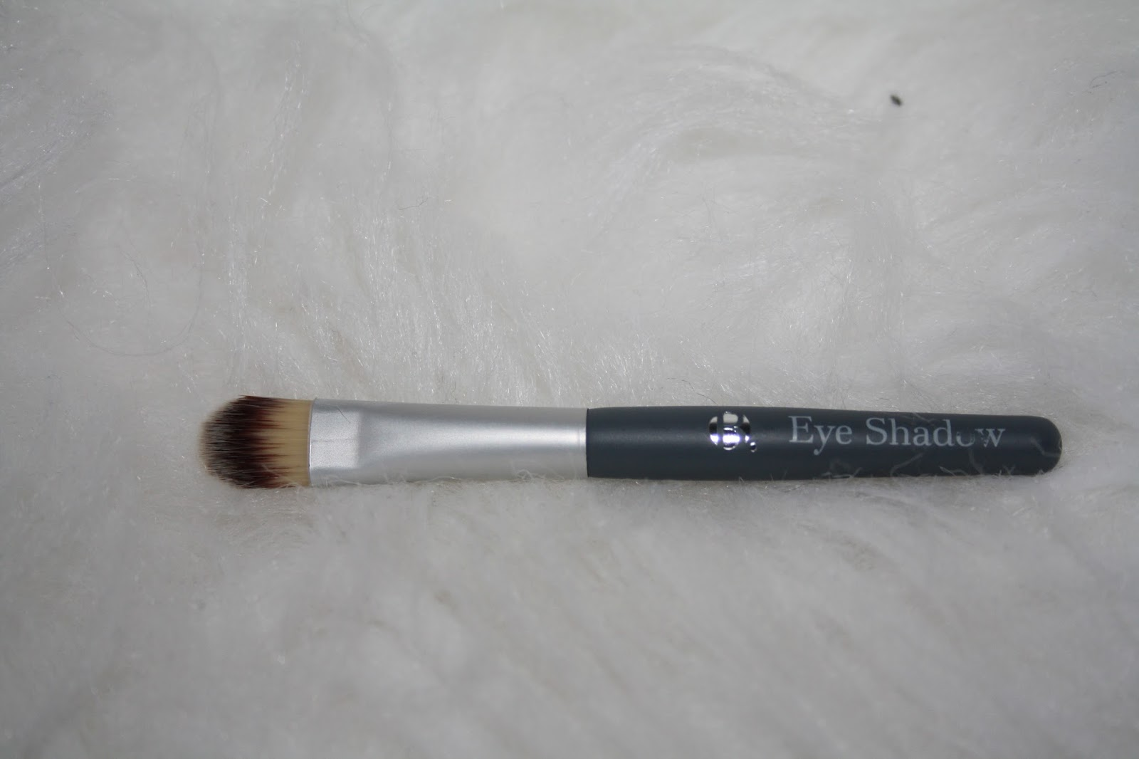 B. Beauty Makeup Brush Collection.