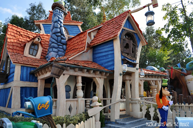 Magical Days With Mouse Goofy' Playhouse