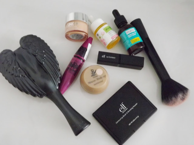 [Favoriten] Oktober 2014, Angel Tangle schwarz, Maybelline Volum' Express Falsche Wimpern Black Drama Mascara, Clinique all about eyes, Alverde Gesichtsöl Wildrose, Balance Youth Serum, Blush Brush, e.l.f. Lip Exfoliator, e.l.f. Studio Contouring Blush & Bronzing Powder St. Lucia, Rival de Loop Young Mousse Makeup
