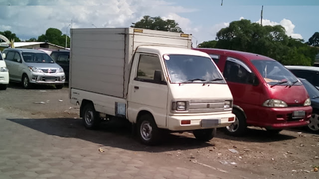 Suzuki Carry 1000 ST100 box