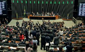 60% dos deputados vão votar pelo impeachment, diz Datafolha