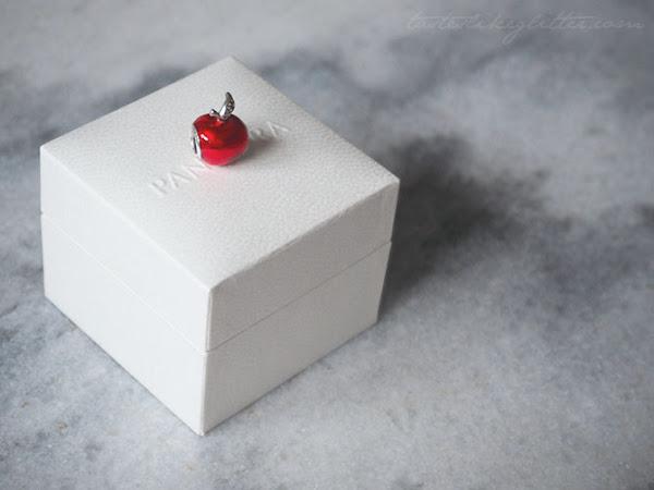 Pandora Snow White's Apple Charm.