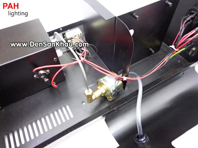 Cục nóng đủ công suất nên máy tạo khói hoạt động cực kỳ ổn định
