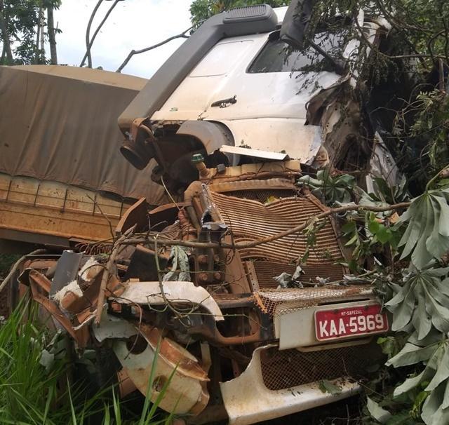 Caminhoneiro é preso dirigindo bêbado depois de acidente
