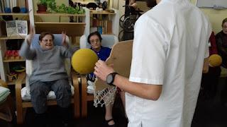 Gimnàs i fisioteràpia a l 'Aviparc Centre de dia