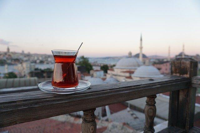 Kenapa Orang Turki Suka Minum Teh?