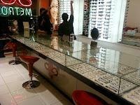 furniture semarang Etalase Display Kaca Untuk Toko