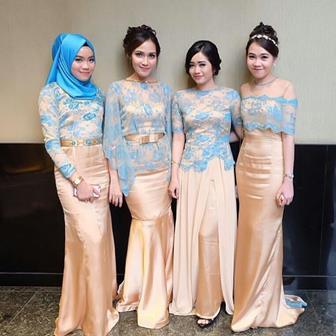 Model Kebaya Brokat Modern Terbaru Untuk Resepsi Pernikahan Keluarga