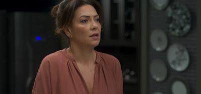 CONSTRANGIDA em  Bom Sucesso: Alberto surpreende Nana ao descobrir segredo íntimo dela