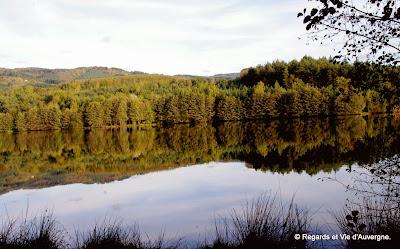 lac d'Auvergne : le lac d'Aubusson.