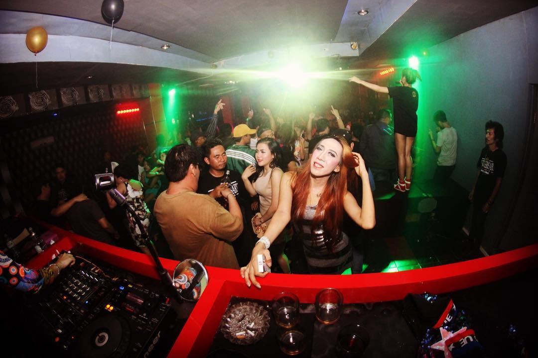 Whores in Bengkulu