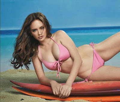 "Watch the sexy look of Filipina ""bikini queen"" Ellen Adarna"