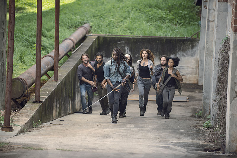 Michonne, Siddiq, Yumiko, Luke, Magna, Connie y DJ,, en el episodio 9x07 Stradivarius The Walking Dead