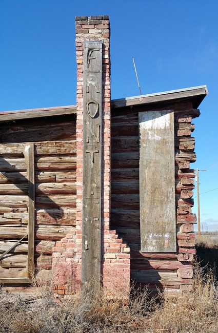 Abandoned Ella's Frontier Trading Post in Joseph City Arizona