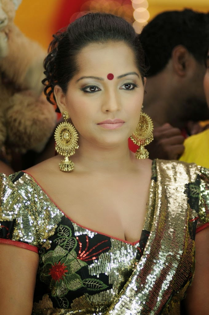 Meghna Naidu Nude Photos 4