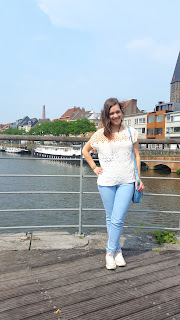 (Clothes & Dreams) OOTD: Sun's out!: Zara tee, Casio watch, Pull & Bear jeans, Topshop bag, Converse All Stars sneakers