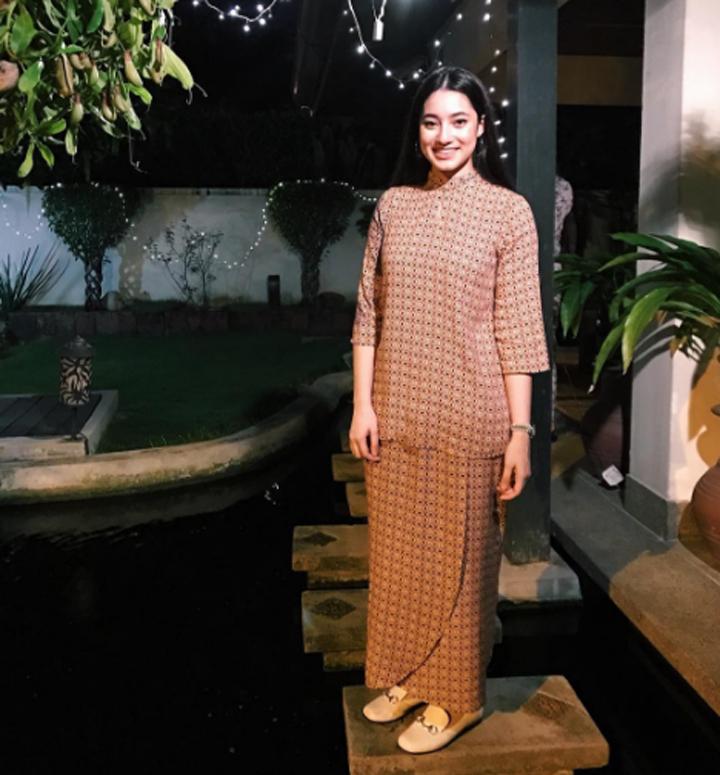 Gambar Ameera Khan